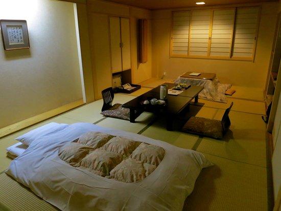 Hotel Tsubakino: my traditional tatami room and futon