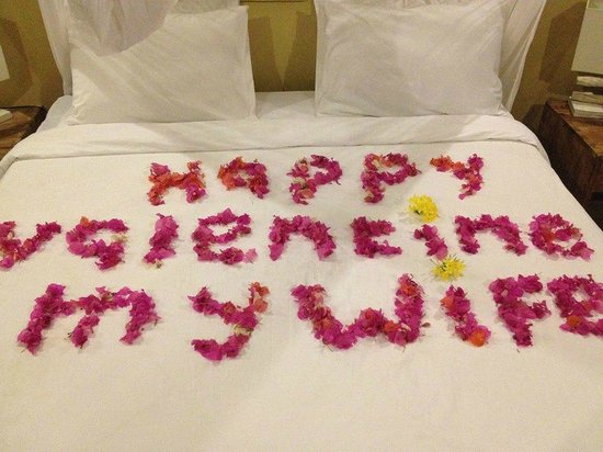 Les Villas Ottalia : Welcome words on our bed