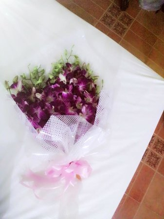 Chez Charly Bungalow: flower