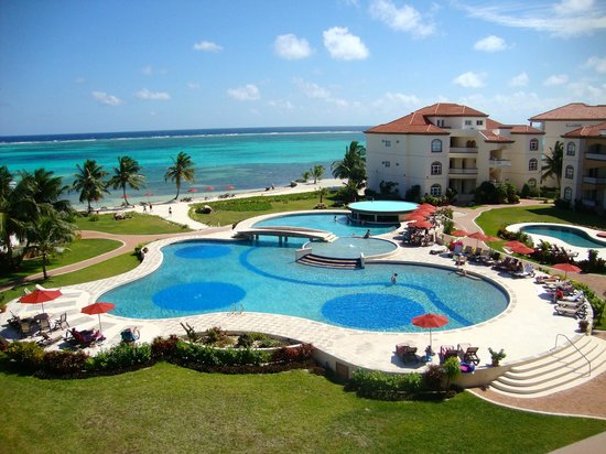 Grand Caribe Belize Resort and Condominiums: View from our balcony