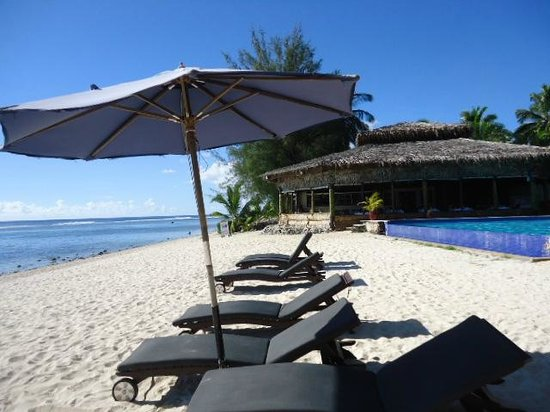 Manuia Beach Resort: on the beach