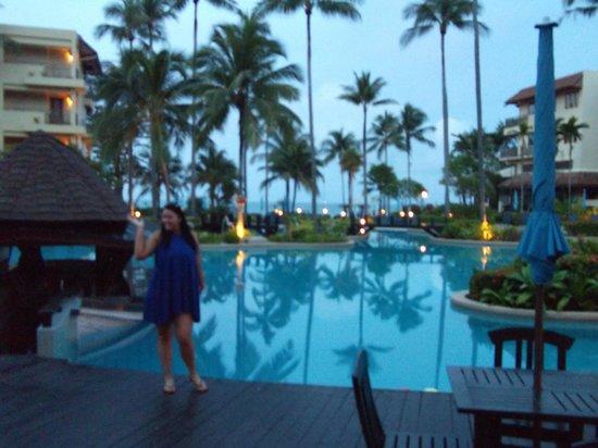 Phuket Marriott Resort & Spa, Merlin Beach: Sunrise