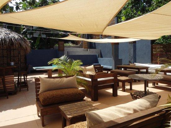 Moxons Beach Club : Terrace