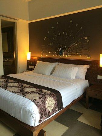 Sun Island Hotel Kuta : Bed