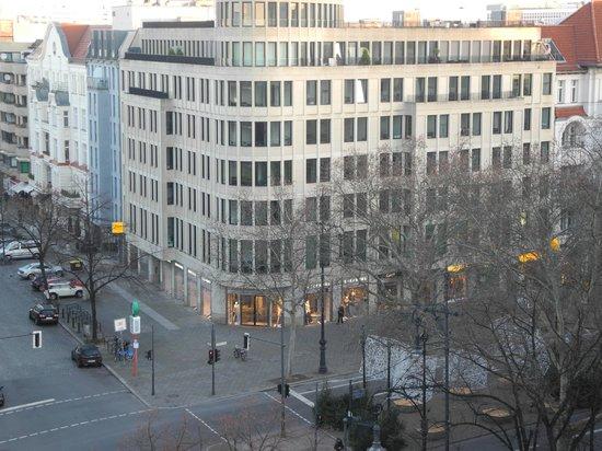 Hollywood Media Hotel: Вид с балкона