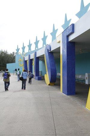 Disney's All-Star Music Resort: Llegas y te encuentras con esto...