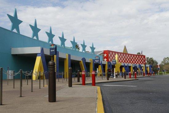 Disney's All-Star Music Resort : Cuándo ya estás partiendo a algún parque, ésto es lo que dejas atrás