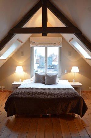 Bed and Breakfast 1669 : romantisch bed in de loft