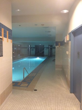 Vancouver Marriott Pinnacle Downtown Hotel: Pool