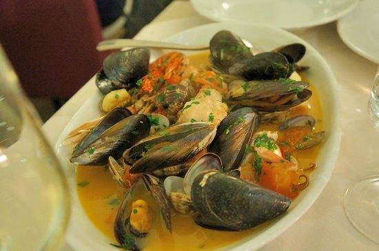 Tiramisu Trattoria : 魚介の煮込み