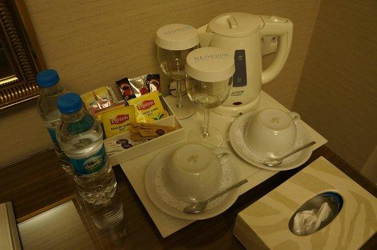Neorion Hotel: Generous variety of coffee/tea facilities