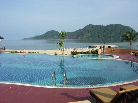 The Aiyapura Koh Chang: Splendid pool