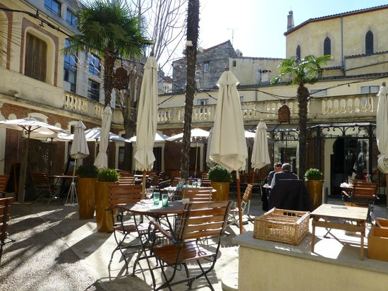 patio en t picture of les bains de montpellier montpellier tripadvisor. Black Bedroom Furniture Sets. Home Design Ideas