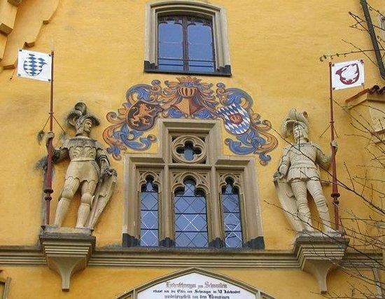 Schloss Hohenschwangau: Рыцарский мотив