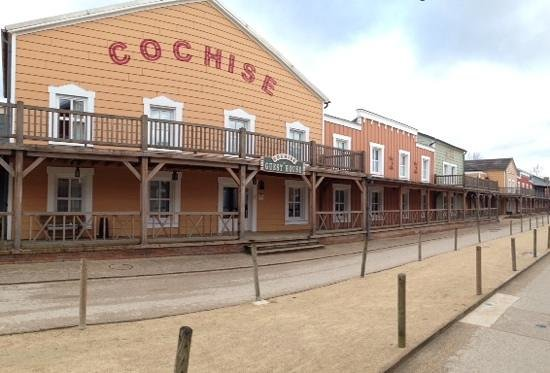 Disney's Hotel Cheyenne : typical Cheyenne street