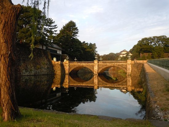 二重桥 - Foto van Two-tiered Bridge (Ni-ju Bashi), Chiyoda - TripAdvisor
