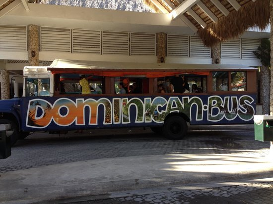 Viva Wyndham Dominicus Beach: Bus dominicano-)