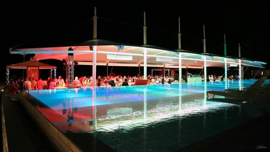 Angsana Laguna Phuket: XanaBeachClub - party Ministry of Sound