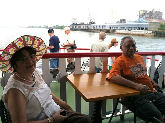 Natchez Steamboat Cruise: On board with wife