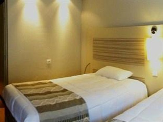 Kyriad Toulouse Sud - Roques : chambre