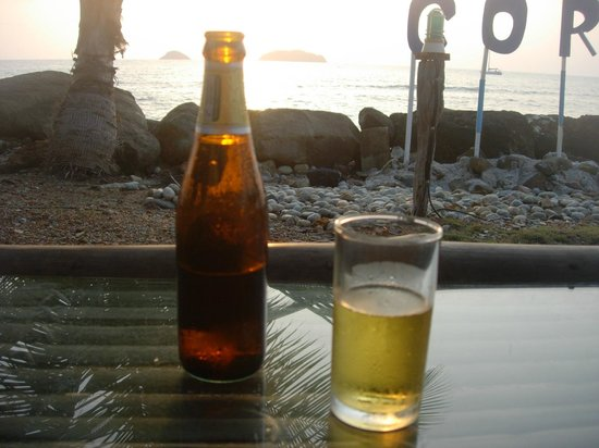 Coral Resort: Cold beer at sunset