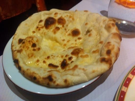 Le Kashmir : nan au fromage