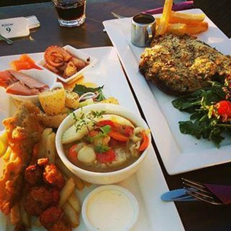 Stanley Hotel: Seafood Plate with out 450gm T-Bone Steak