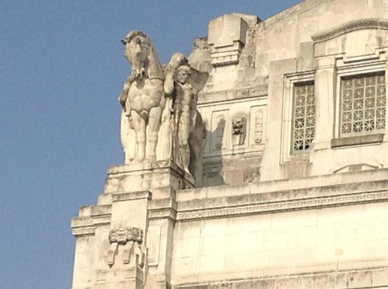 Central Station of Milan : Detail of front entrance