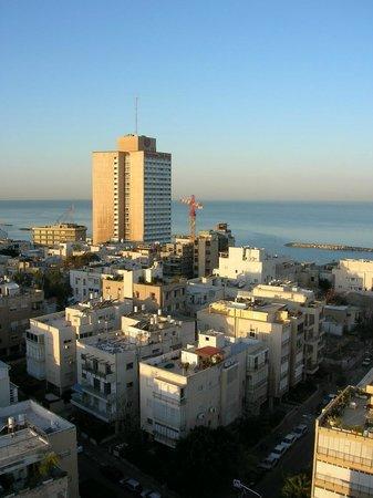 Deborah Hotel: Tel-Aviv view from room window