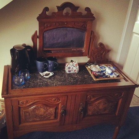 The Burnside Guest House: pretty antique furniture