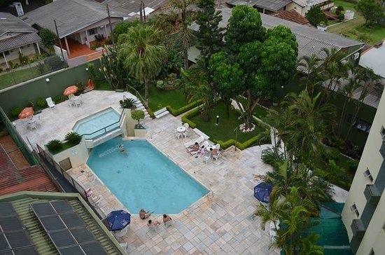 Turrance Green Hotel: Vista da piscina
