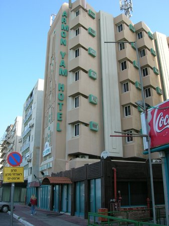 Armon Yam Hotel : Hotel from outside