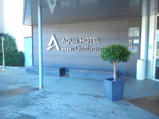Aqua Hotel Onabrava & Spa: entrada hotel