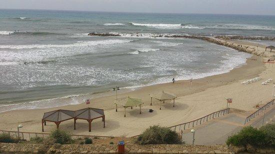 Hilton Tel Aviv: beach