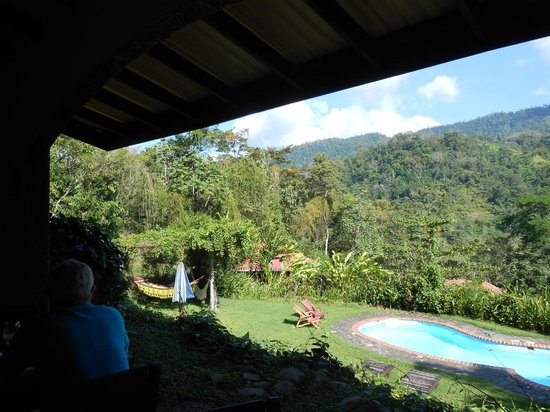 La Cacatua Lodge: At Breakfast