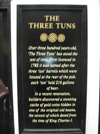 The Three Tuns: Plaque on Wall telling of the find of a cache of Gold Coins