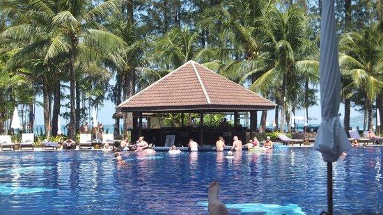 Best Western Premier Bangtao Beach Resort & Spa : Swim up pool