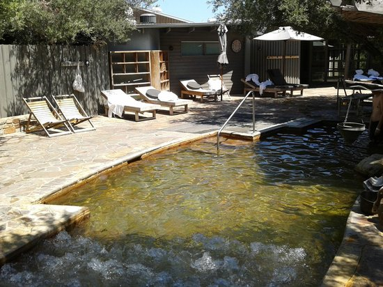 Peninsula Hot Springs: The 'Grotto' and 'Bubble Spa Couch'