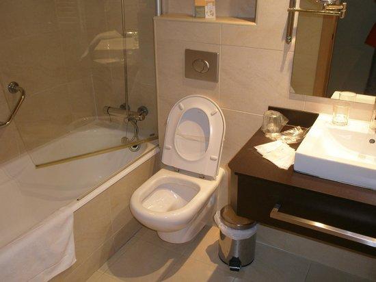 Hotel Codina: baño estándar