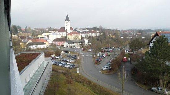 Hotel & Spa Lebensquell: Blick vom Balkon zum Ortszentrum von Bad Zell