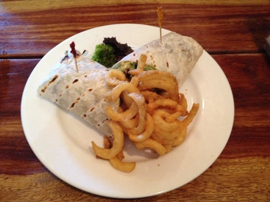 Hog's Breath Cafe: Beef & salad wrap with curly fries!!