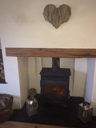Greyhound Inn: log burner