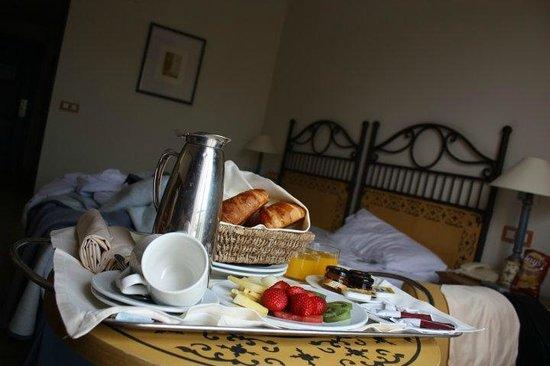 Hotel Alicante Golf: Petit déjeuner en chambre