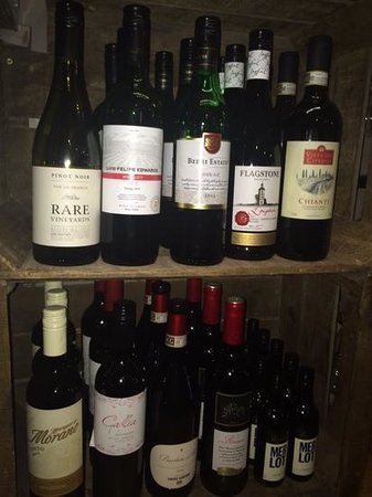 Greyhound Inn: red wine selection