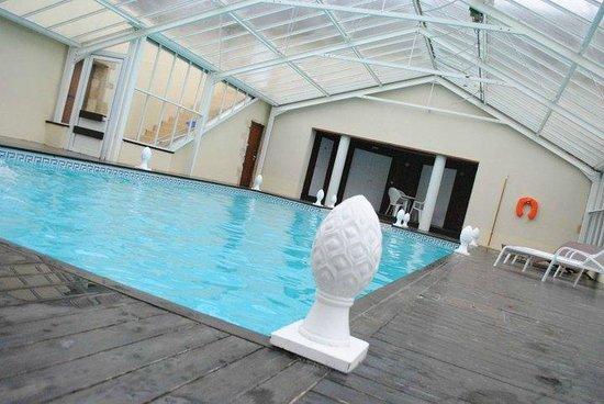 Le Chateau de Sully : La piscine couverte au top !