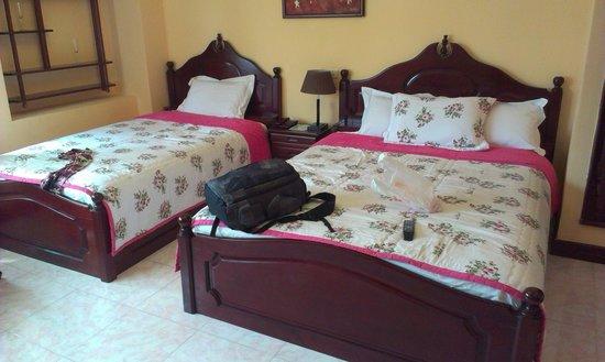 La Suisse Hotel : Очень мягкие кровати