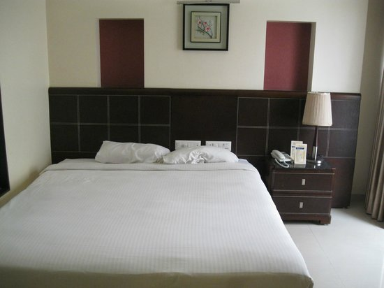The Citiotel: Bed