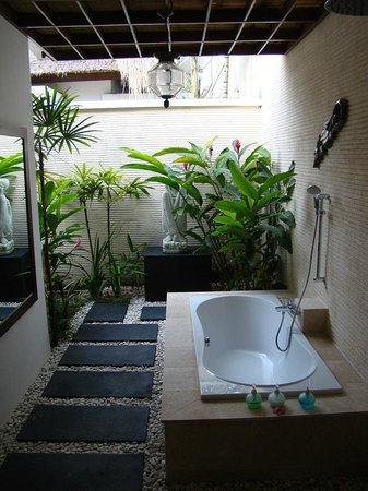 Puri Mas Boutique Resort & Spa: Lovely open air bathroom - completely private
