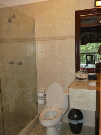 Hotel Plaza Colon: bathroom
