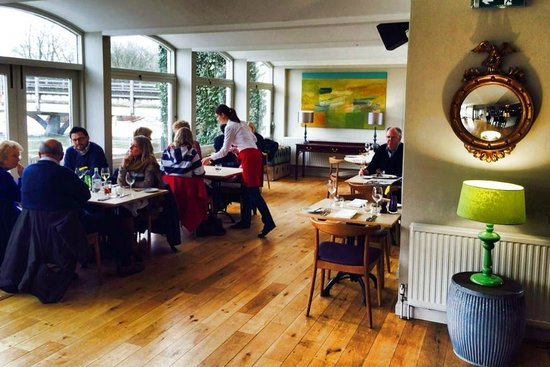 The Swan at Streatley Restaurant & Bar: The Riverside Restaurant & Bar